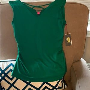 New Vince Canute top in green
